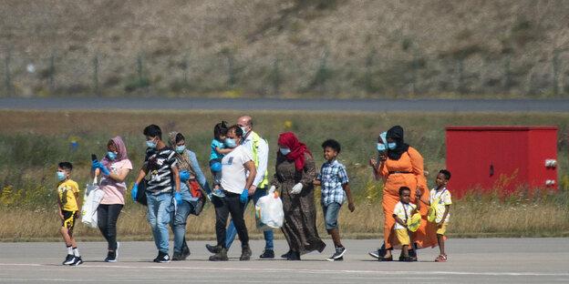 Name:  flüchtlinge.jpeg Hits: 10 Größe:  58,1 KB