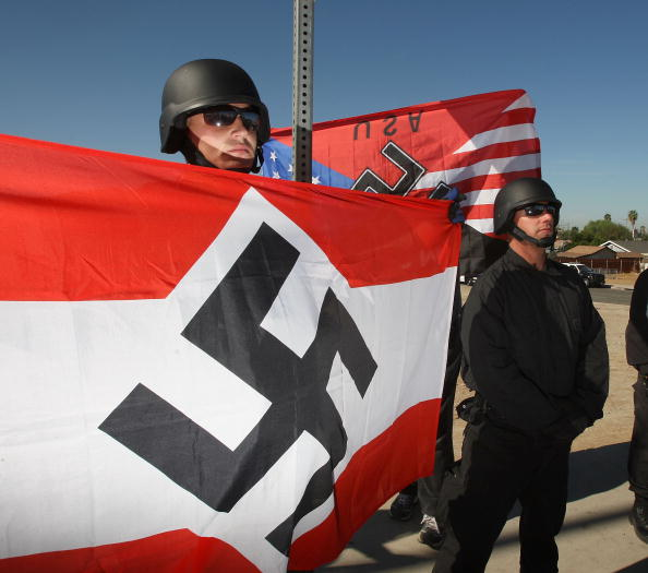 Name:  soldier-swastika.jpg Hits: 255 Größe:  42,2 KB