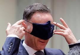 Name:  1maas mit maske vor augen.jpg Hits: 29 Größe:  7,0 KB