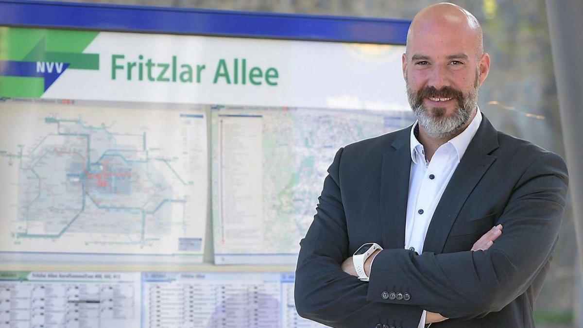 Name:  1614827082-setzt-sich-fuer-oeffentlichen-personennahverkehr-ein-dr-christoph-pohl-kandidiert-fue.jpg Hits: 12 Größe:  96,6 KB